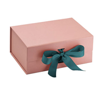 packing box with ribon for dress