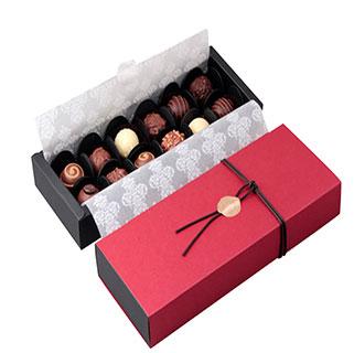 Custom macaron packaging