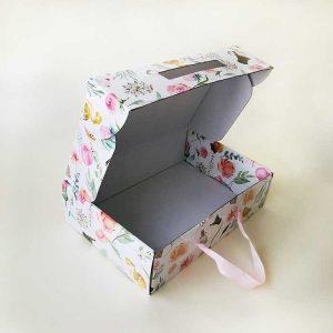 Ribbon portable gift pacakgaing color box